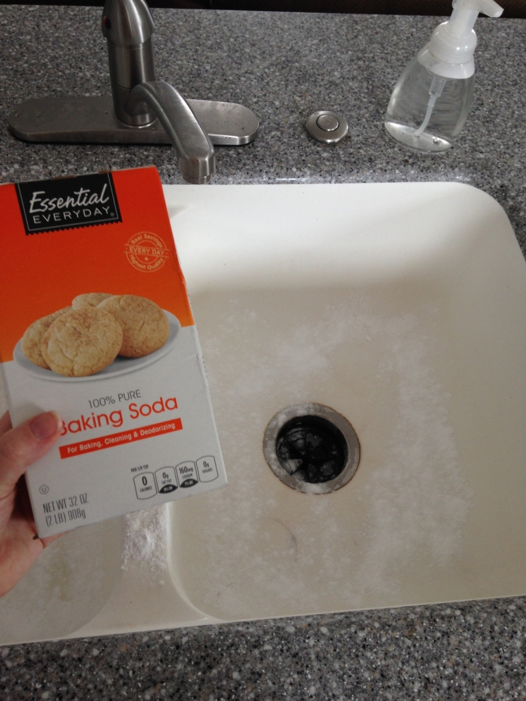easy natural sink tub cleaner baking soda meredithtested.wordpress.com